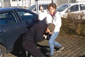 Frauenselbstverteidigung